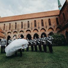 Wedding photographer Dmitriy Mikhalakiy (DartKain). Photo of 11.12.2017