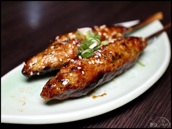 熊賀串燒~餐點多元,堅持每日現切現串,串出食材的新鮮美味,不收服務費!捷運三民高中站