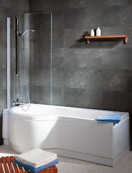 Badewanne und schwenkbare Faltwand