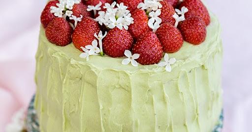 Matcha and Strawberry Layer Cake with Mascarpone Filling