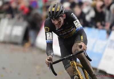 """Aerts blijft positief ondanks de hete adem van van der Poel in zijn nek: """"Fier dat ik op dit parcours deze koers kon rijden"""""""