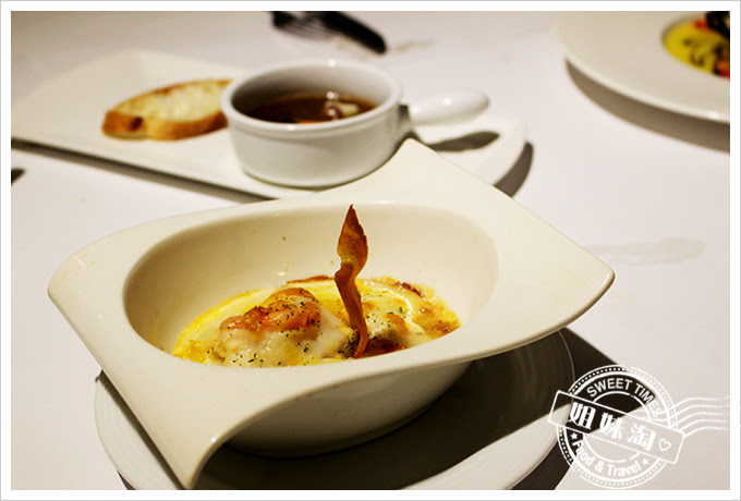 新國際西餐廳經典起司焗海鮮