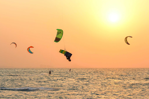 Try kitesurfing on your visit to Dubai.
