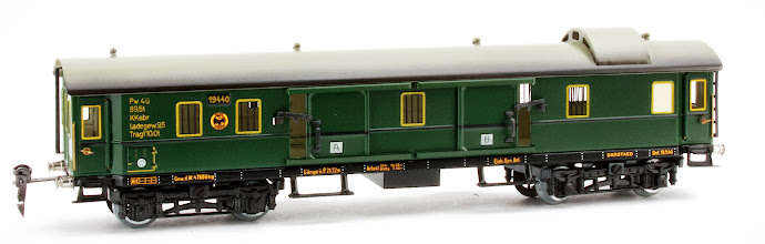 Photo: DR Baggage Car no. 19440