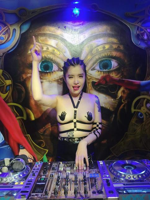DJ Su Tây (Phan Lê Kim Phú), hot girl DJ 12