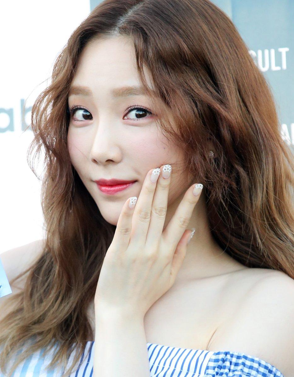 Taeyeon-Lala-00