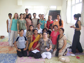 Photo: 1 Month YTT Course - Daniel Fonseca & Jeenal Mehta with batch of April 2008 - Group Photo.