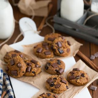 {Flourless & Healthy} Pumpkin Chocolate-Chip Cookies.