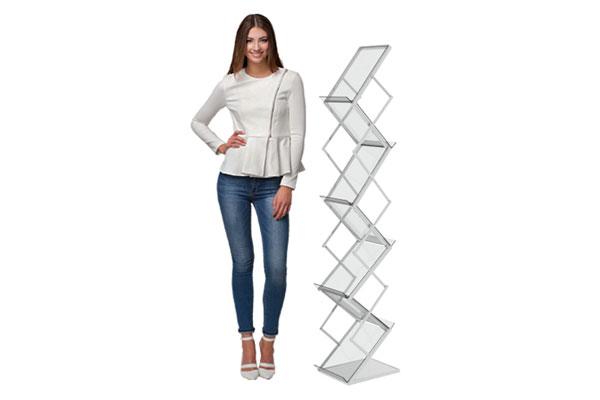 folletero de aluminio en forma de zig zag con 4 pisos para exhibir volantes o brochures