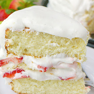 Strawberry Shortcake Cheesecake Cake
