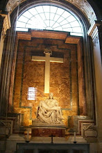 Photo: St. Peter's Cathederal - Michaelangelo's last sculpture