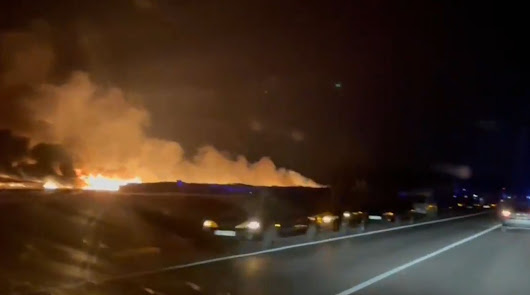 Arden un centenar de viviendas en un asentamiento chabolista de Níjar
