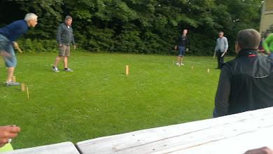 Photo: Vikingespil i haven på Silkeborg Vandrerhjem lørdag aften.