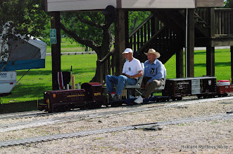 Photo: Richard Day and Jerry Schoenberg with PRR 9175.  HALS - SWLS 2009-0523