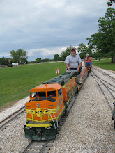 Photo: Rick Pike and David Hannah on BNSF 9944 at Sweetwater.  HALS-SLWS 2009-0522