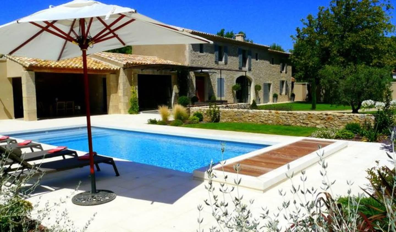 Propriété avec piscine et jardin Eyguières