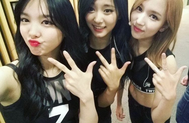 Fans Amazed At TWICE Minas Crazy Hot Abs - Koreaboo