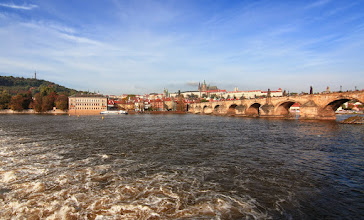 Photo: Karlův most a Pražský hrad 18.10.2014 http://annastehlikova.rajce.idnes.cz/Barevna_podzimni_Praha/#Praha_podzim_2014.jpg