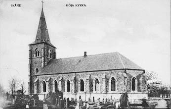 Photo: Kyrkan innan den blev vitkalkad