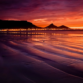 Table Mountain by David Morris - Landscapes Sunsets & Sunrises ( landscape table mountain cape town soutn africa )