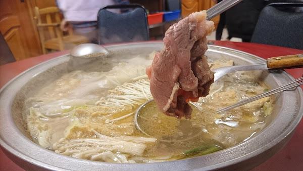 牛大福2F沙茶火鍋,屏東潮洲必吃美食,家傳六十年的好味道!