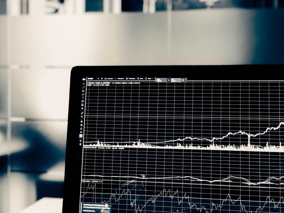 Você já pensou em ser um analista de investimentos?