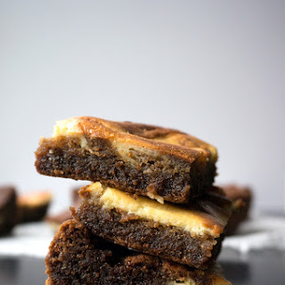 Gingerbread Cheesecake Blondies
