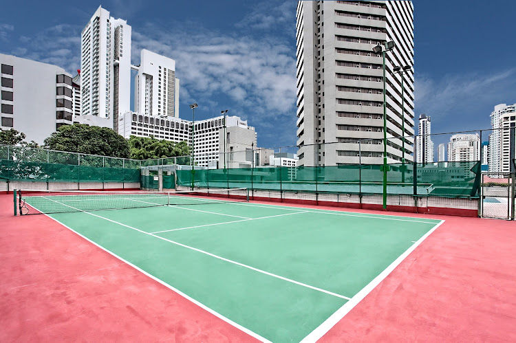 far-east-plaza-residences-facilities-tennis-court-1