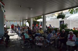 Photo: Viele Zuhörerinnen und Zuhörer warten bereits auf unsere Vortäge
