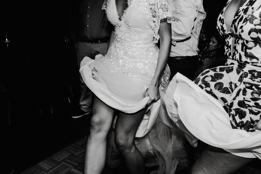 Wedding photographer Rodrigo Borthagaray (rodribm). Photo of 16.05.2018