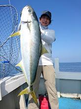 Photo: おーっ!グッドサイズ! 7kgのヒラスキャッチです!