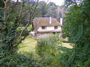 Photo: There are traditional homes along the route, such as this one with a thatched roof.