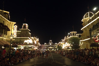 Photo: Disney World at night http://ow.ly/caYpY