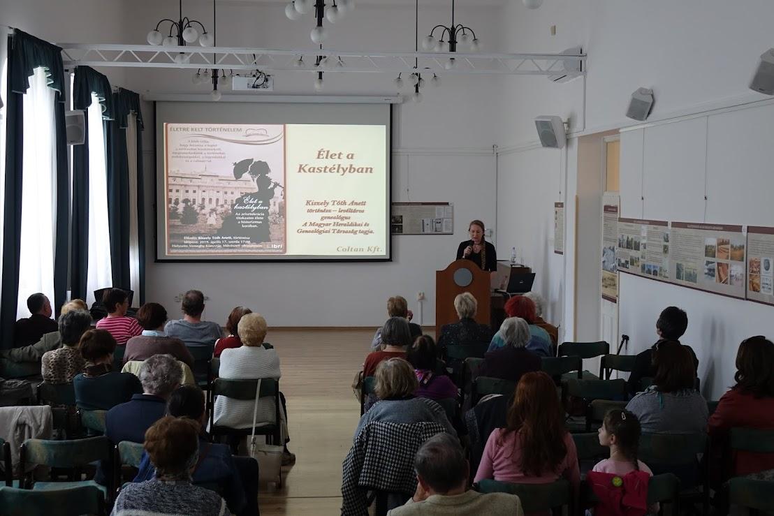 Kiszely-Tóth Anett történész előadása