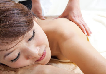 Lady receiving massage