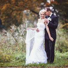 Wedding photographer Ivan Cyrkunovich (HiViv). Photo of 10.02.2014