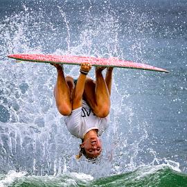 Ellen Wood - Pro Skimboarder by Lawayne Kimbro - Sports & Fitness Surfing ( skimboard, water, skim boarding, sand, outbanks, ©kimbrophoto, ©kimbro photography, ocean, beach, sun, north carolina, skim, ©lawayne kimbro photography, obx, surf,  )