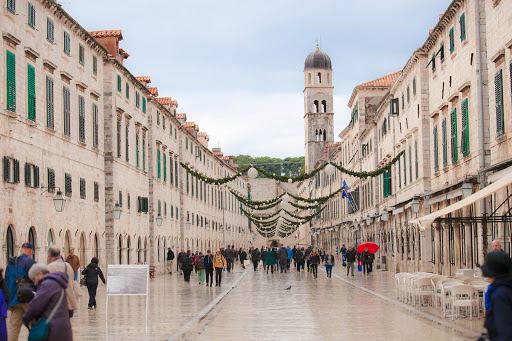 Old-Dubrovnik-main-thoroughfare-1.jpg - The main thoroughfare of Old Dubrovnik, seen from above, is decorated for Christmas.