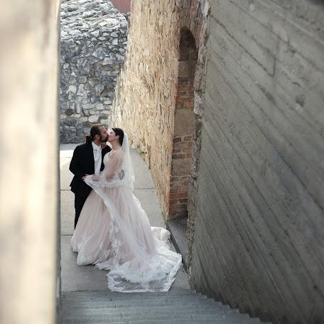 Wedding photographer Arnold Botos (botos). Photo of 19.11.2015
