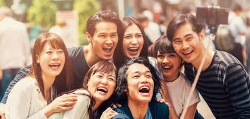 amis sourire japonais selfie