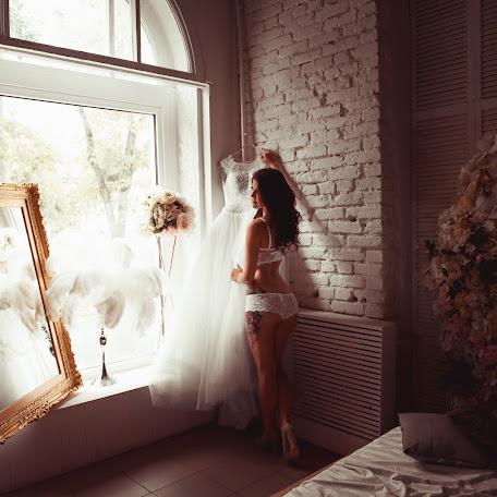 Wedding photographer Viktoriya Martirosyan (viko1212). Photo of 20.09.2017