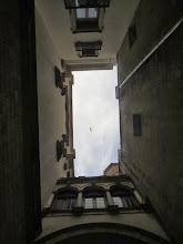 Photo: El mismo callejón, mirando pa' arriba.