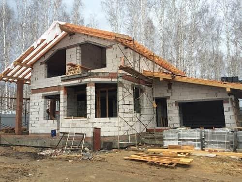 Строительство дома из пеноблоков: стоит ли строить?