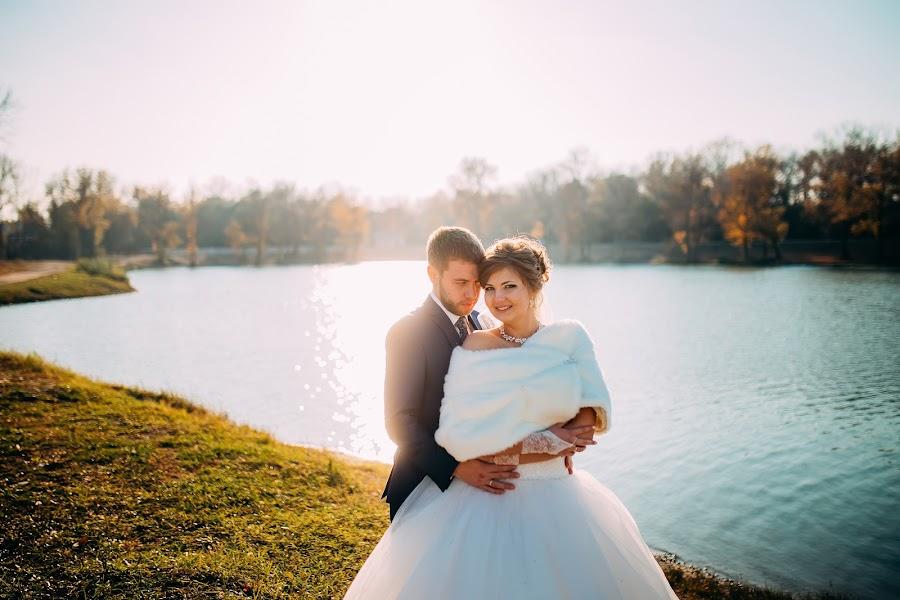 Fotograful de nuntă Aleksandr Anpilov (lapil). Fotografia din 25.12.2015