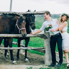 Wedding photographer Elena Gankevich (GanLena300877). Photo of 06.08.2015