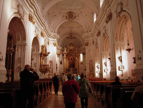 Photo: A templom belső tere jelenlegi formáját 1907-1911 között kapta, amikor felújításokat végeztek rajta Városy Gyula érsek megbízásából
