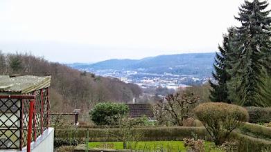 Photo: Noch am ,Talweg' - weiter westlich am Hohlweg: noch ein Blick nach Kückelhausen.