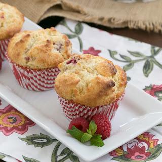 Raspberry White Chocolate Muffins #TwelveLoaves