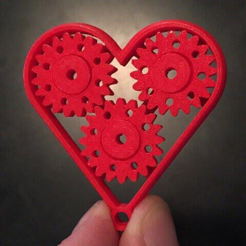 3D модель брелок сердце с шестеренками