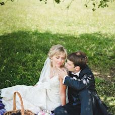 Wedding photographer Arina Romanova (richy). Photo of 17.06.2013
